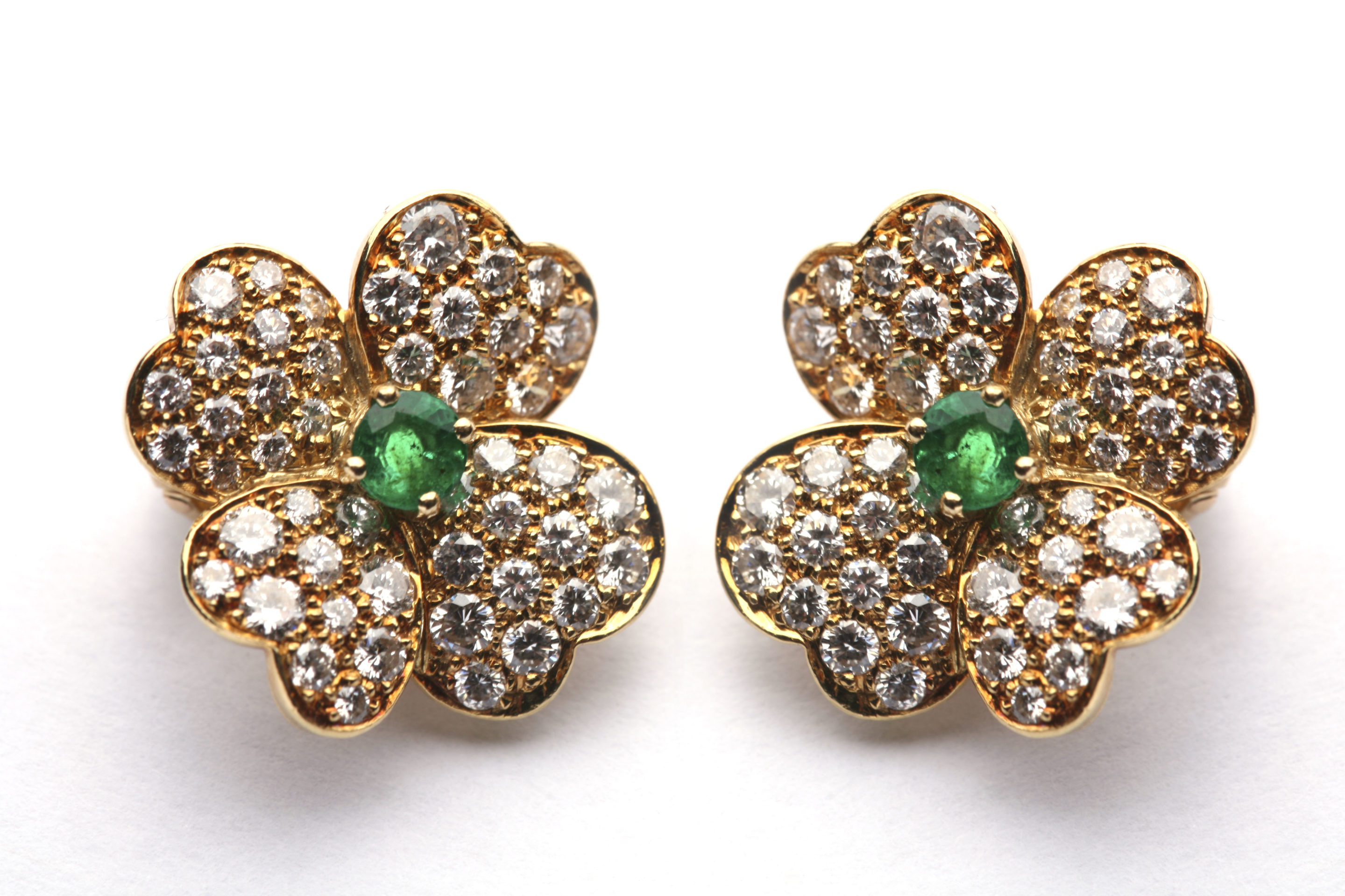 Van Cleef Flower Earclips